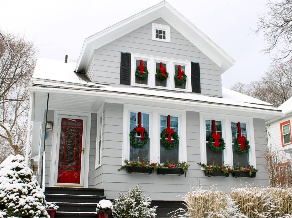 Is your roof ready for the holidays knoxville roofing for Exterior xmas decorations