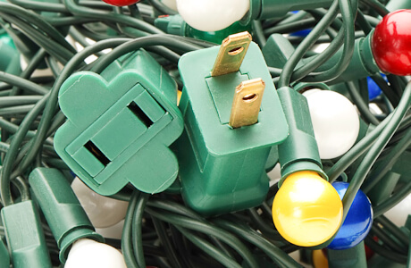 holiday_safety_preventing_hazards_from_christmas_lights-2